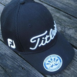 NWT Titleist FootJoy Cap Pro V1 Fitted Black Mesh
